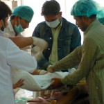 pakistan-doctors-operating